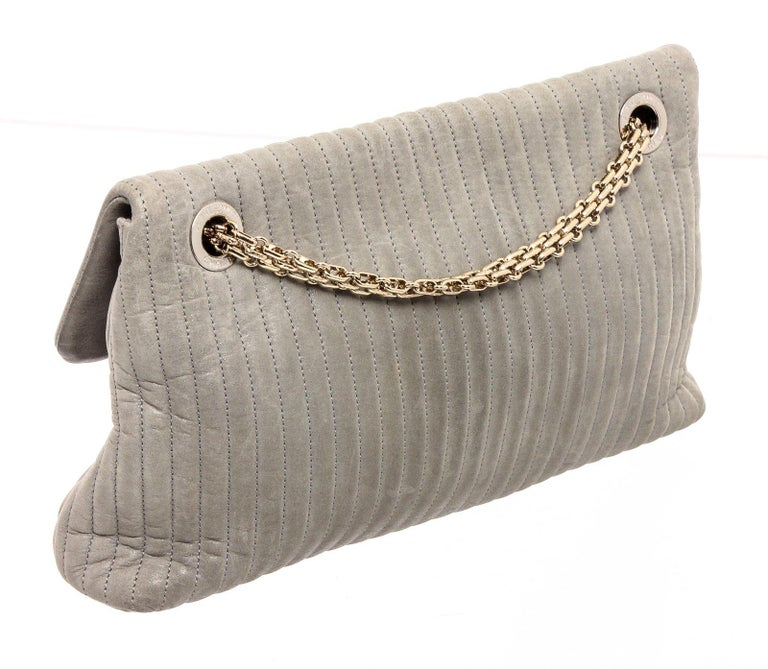 Chanel Gray Vertical Quilted Leather Flap Shoulder Bag For Sale 1