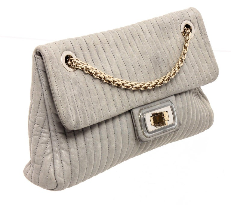 Chanel Gray Vertical Quilted Leather Flap Shoulder Bag For Sale 2