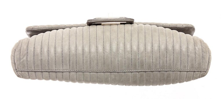 Chanel Gray Vertical Quilted Leather Flap Shoulder Bag For Sale 3