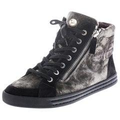 Chanel Green/Black Velvet CC Double Zip Accent High Top Sneakers Size 37
