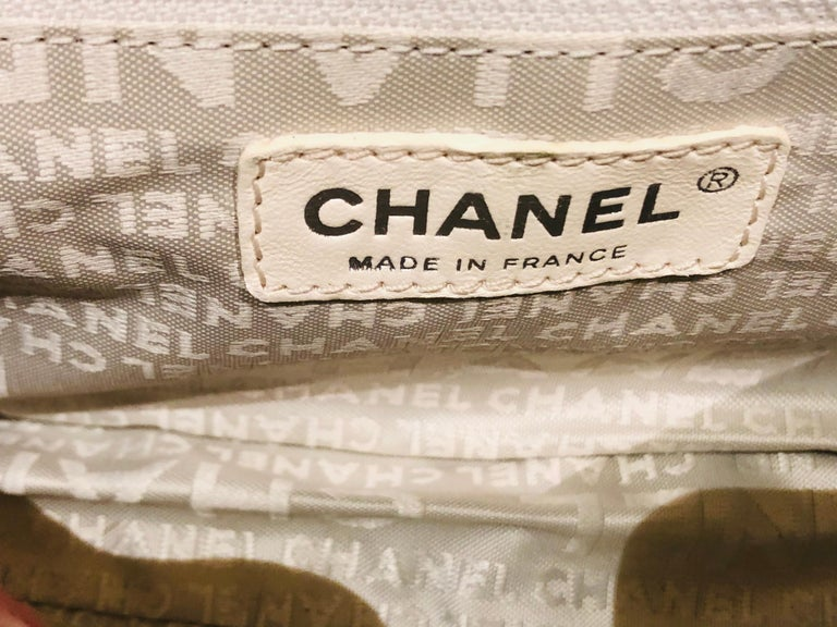 "Chanel Green ""CC"" Silver hardware Stitching Shoulder Bag For Sale 3"