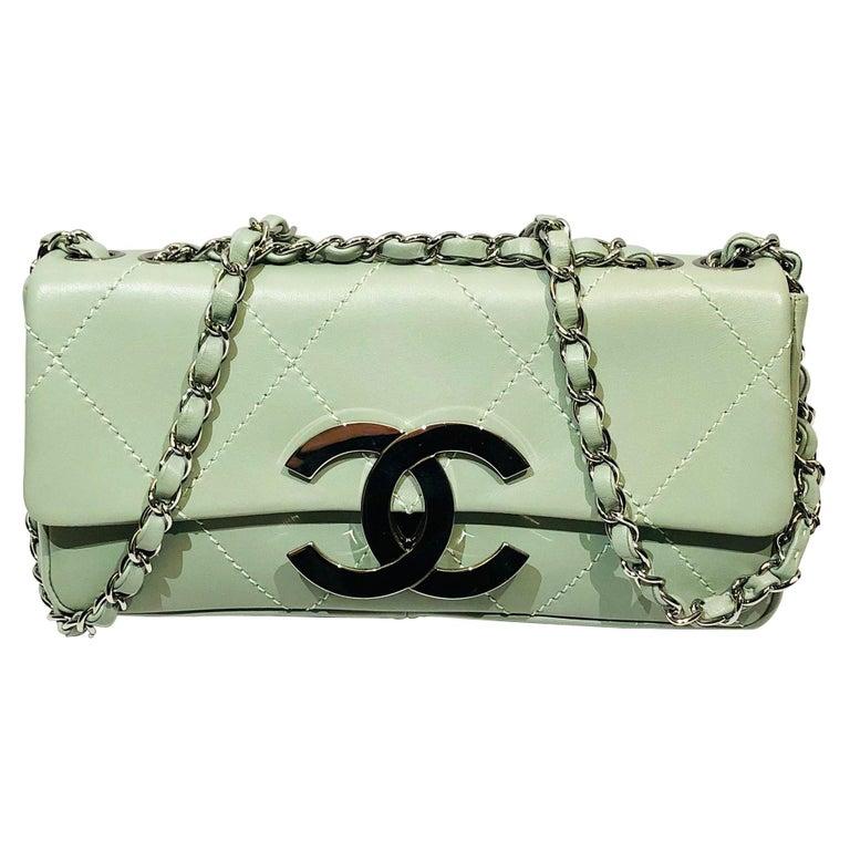 "Chanel Green ""CC"" Silver hardware Stitching Shoulder Bag For Sale"