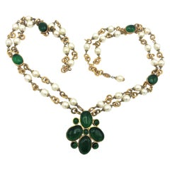 Chanel green Gripoix and pearl double strand necklace signed 1990