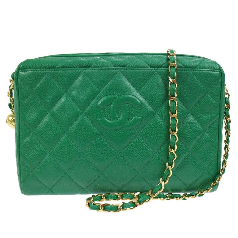 4ff1ba7cd437 Chanel Green Quilted Caviar Leather Shoulder Bag For Sale at 1stdibs