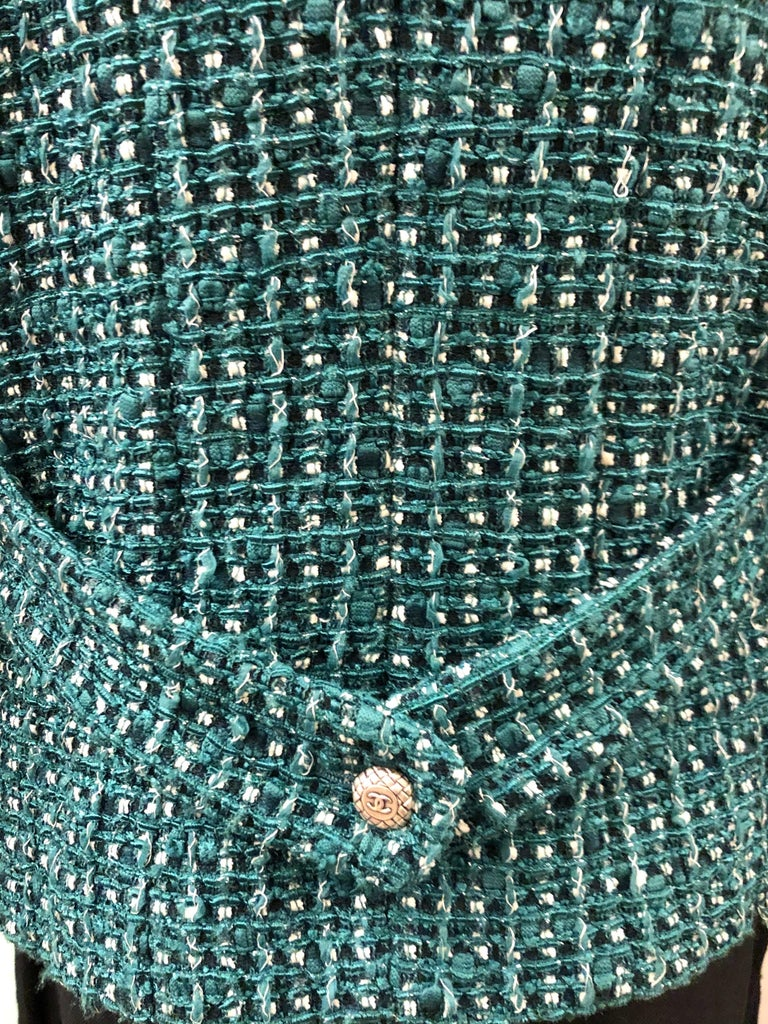 Chanel Green Tweed 3/4 Length Sleeves Jacket  For Sale 2