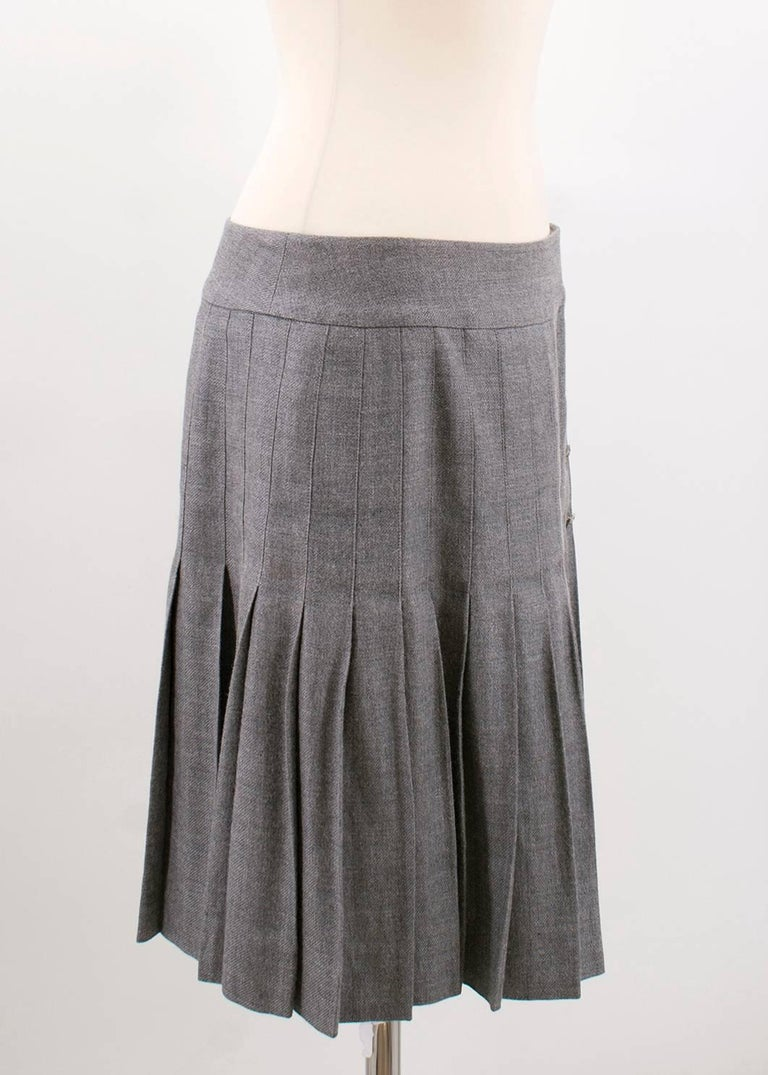 799f85b45748 Chanel Grey Linen and Cashmere Pleated Skirt In Excellent Condition For Sale  In London, GB
