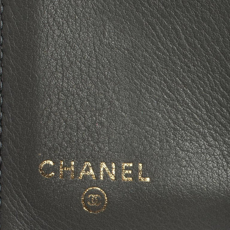 Chanel Grey Quilted Leather Boy Card Holder For Sale 6