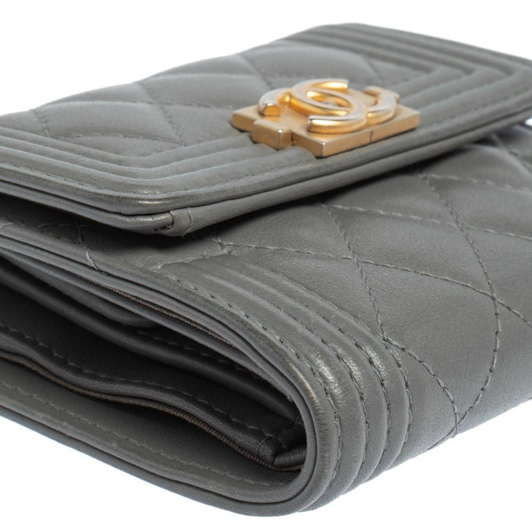 Chanel Grey Quilted Leather Boy Card Holder For Sale 2