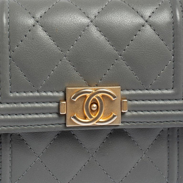 Chanel Grey Quilted Leather Boy Card Holder For Sale 4