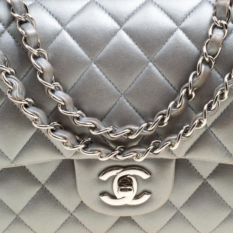 Women's or Men's Chanel Grey Quilted Leather Medium Classic Double Flap Bag