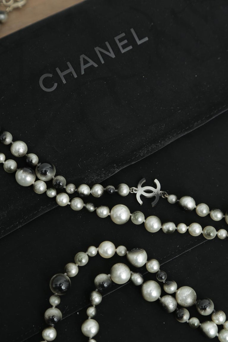 Chanel Grey Silver and Long Pearl Cc Necklace In Excellent Condition For Sale In West palm beach, FL