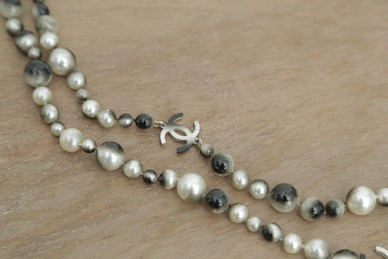 Chanel Grey Silver and Long Pearl Cc Necklace For Sale 1