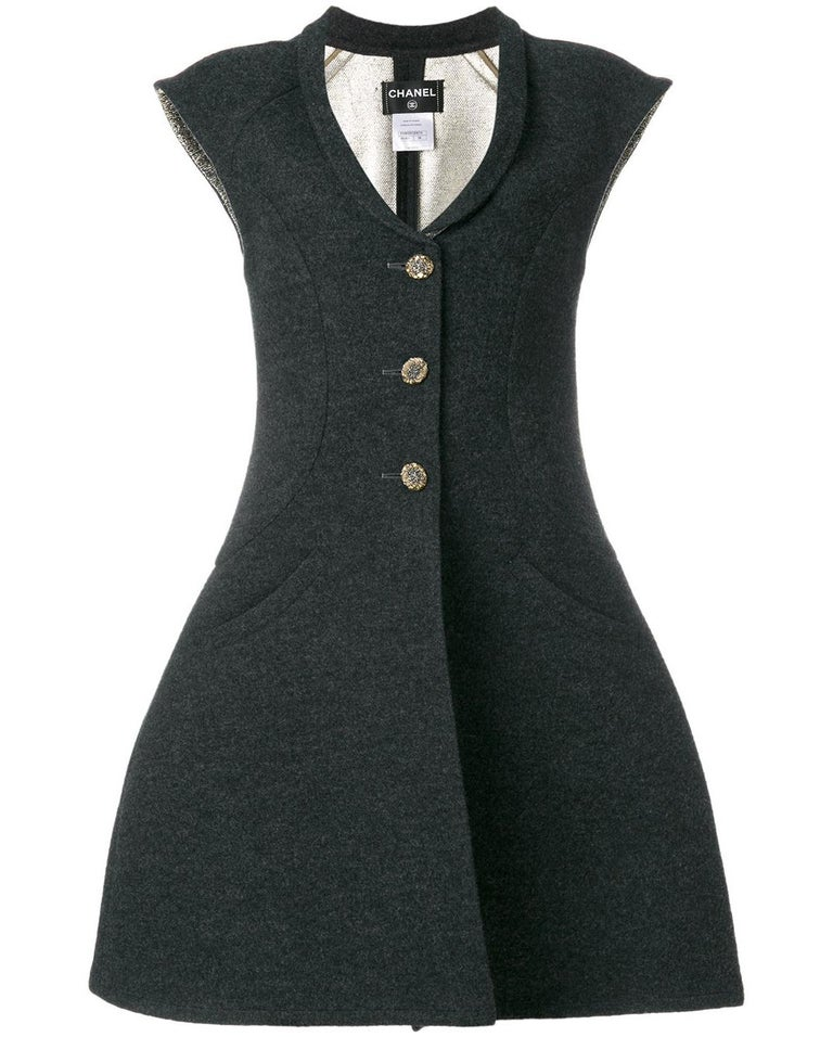 Chanel Grey Vest-Overcoat Dress, 2000s In Excellent Condition For Sale In Lugo (RA), IT
