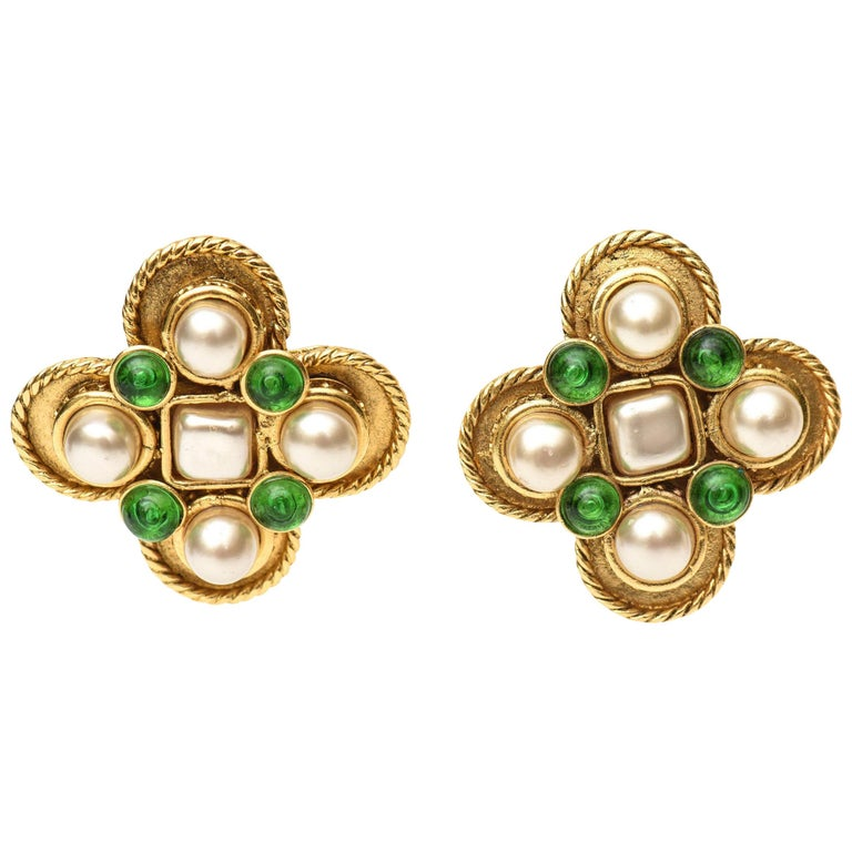 Chanel Gripoix Green Glass and Faux Pearl Clip On Earrings For Sale