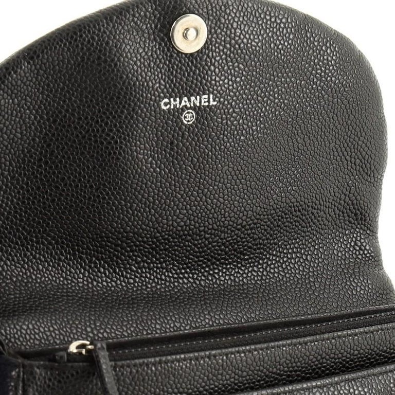 Chanel Half Moon Wallet on Chain Caviar For Sale 2