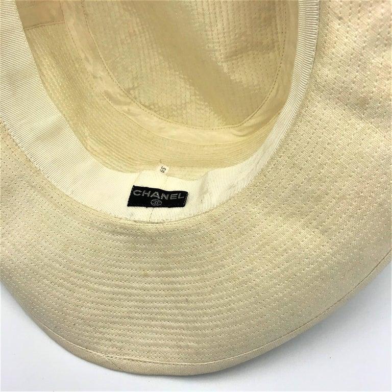 Women's or Men's CHANEL HAT beige cotton size 59  For Sale