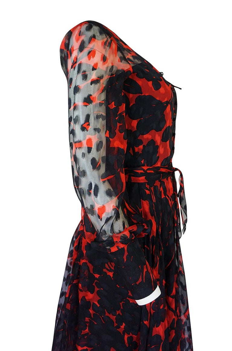 Chanel Haute Couture Red and Black Floral Print Silk Dress, circa 1973 - 1977 For Sale 7