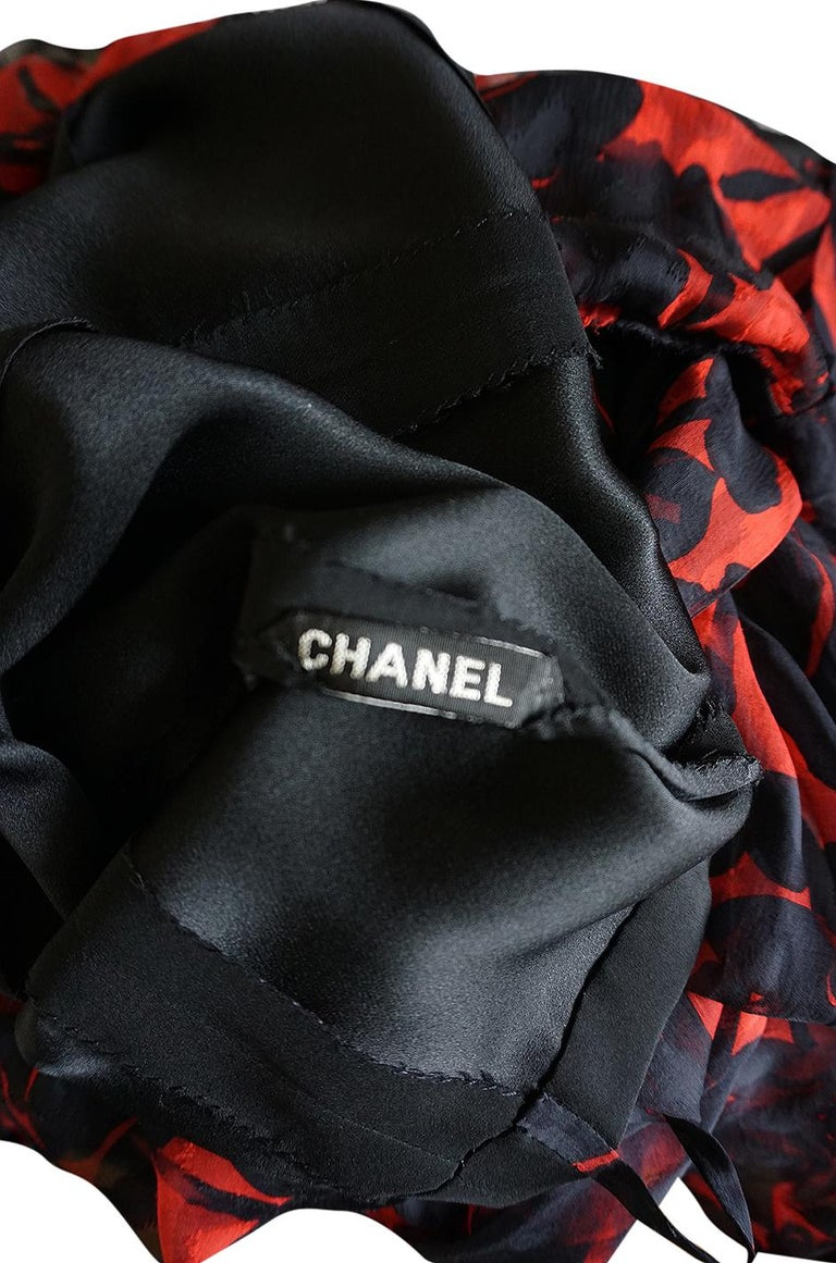Chanel Haute Couture Red and Black Floral Print Silk Dress, circa 1973 - 1977 For Sale 9