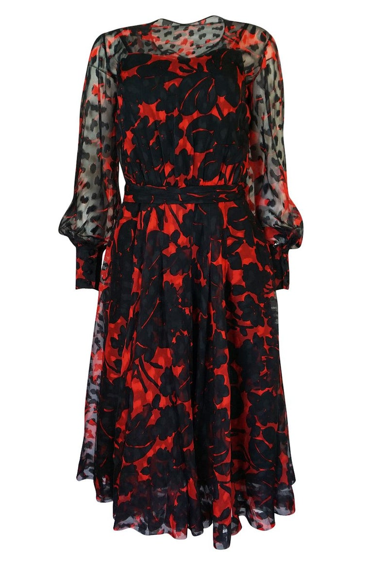 Chanel Haute Couture Red and Black Floral Print Silk Dress, circa 1973 - 1977 In Excellent Condition For Sale In Rockwood, ON