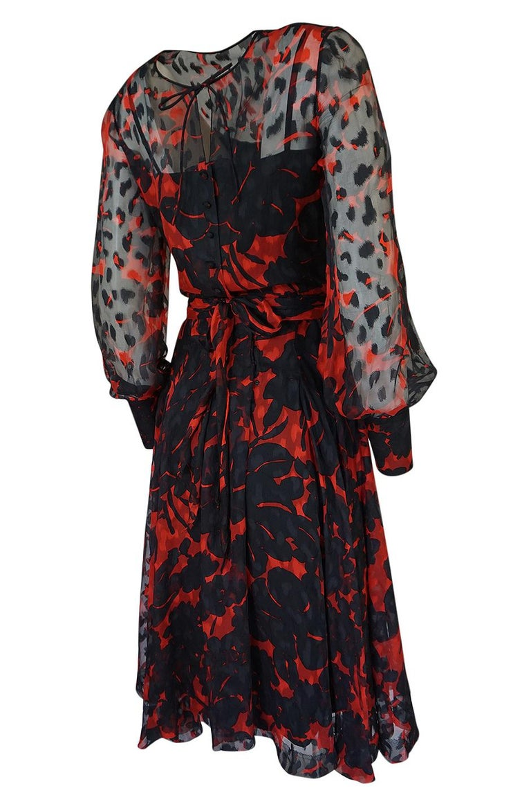 Women's Chanel Haute Couture Red and Black Floral Print Silk Dress, circa 1973 - 1977 For Sale