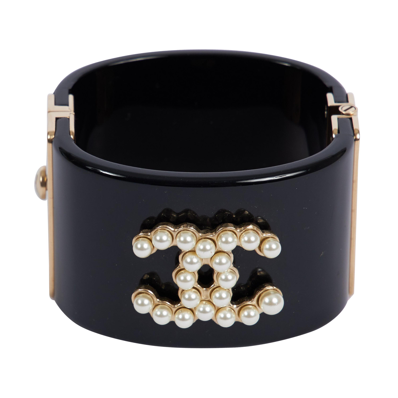 d80310444d Vintage Chanel Cuff Bracelets - 175 For Sale at 1stdibs