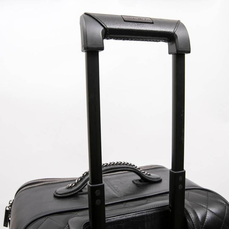 Chanel Rolling Suitcase In Black Quilted Grained Leather And Metal Chains For Sale 6