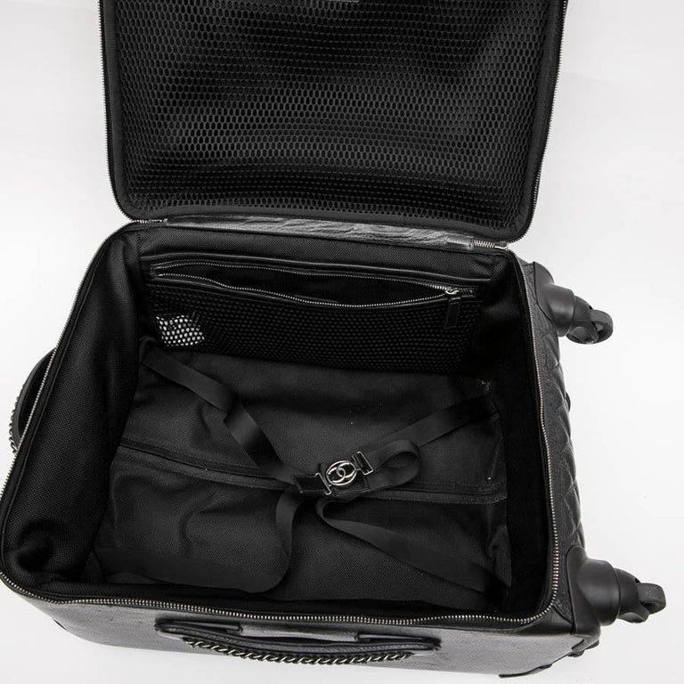 Chanel Rolling Suitcase In Black Quilted Grained Leather And Metal Chains For Sale 7