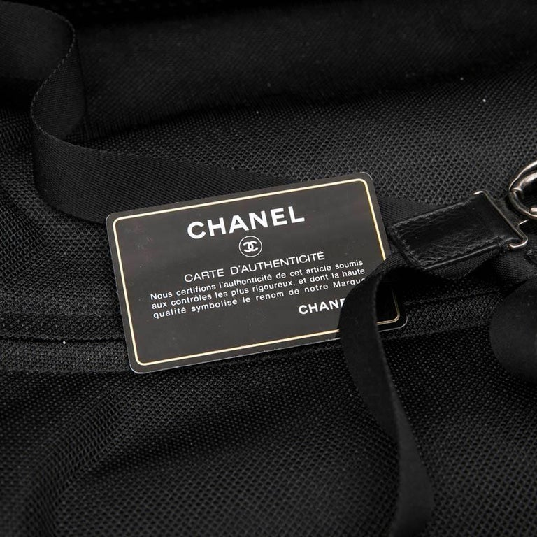 Chanel Rolling Suitcase In Black Quilted Grained Leather And Metal Chains For Sale 10