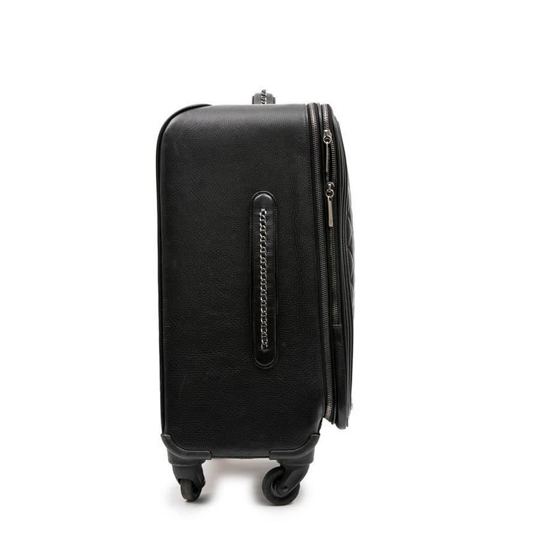 Chanel Rolling Suitcase In Black Quilted Grained Leather And Metal Chains In Excellent Condition For Sale In Paris, FR