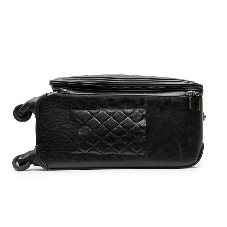 Chanel Rolling Suitcase In Black Quilted Grained Leather And Metal Chains For Sale 1