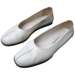 Chanel Italian Ivory Leather Flats With Chanel Dust Cover Bags US Size 7