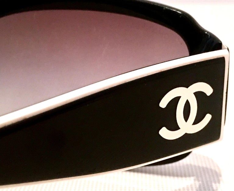 Chanel Italy 20th Century Black and White