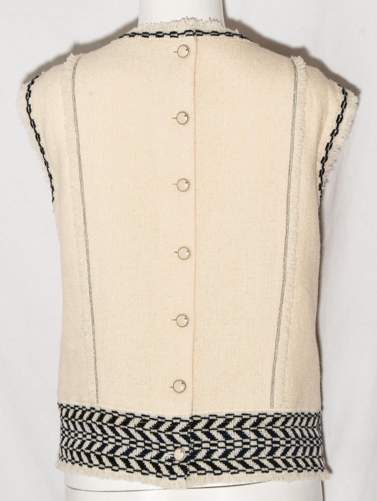 Chanel Ivory and Black Wool Fringed Sleeveless Top From Fall 2004. In Excellent Condition For Sale In Palm Beach, FL