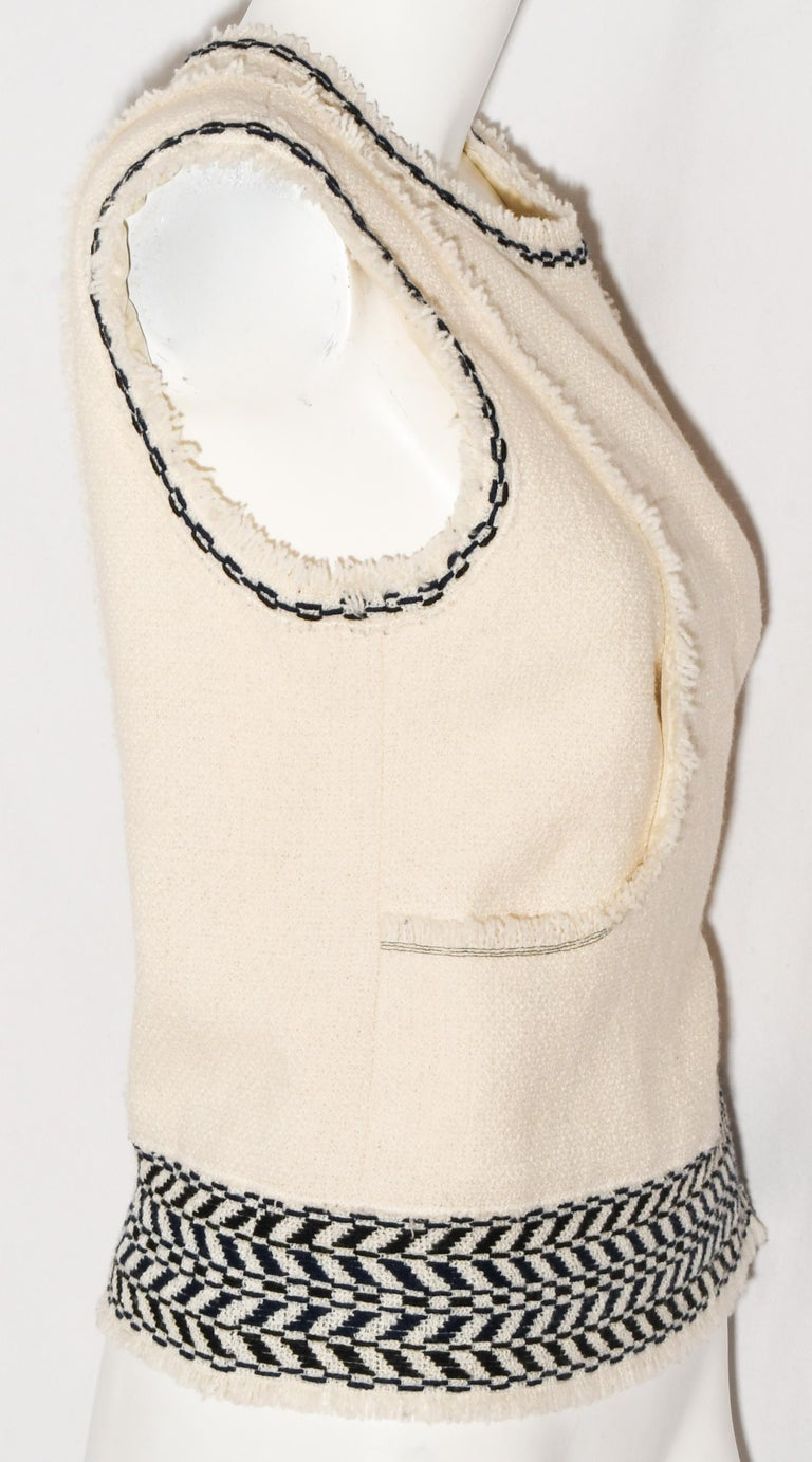 Women's Chanel Ivory and Black Wool Fringed Sleeveless Top From Fall 2004. For Sale