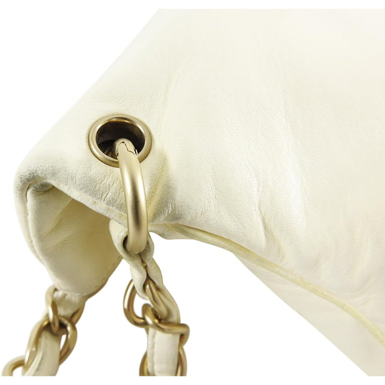 7b6e62cef3dfe4 Chanel Ivory Lambskin Chain Strap Shoulder Bag with CC Resin Ball For Sale 5