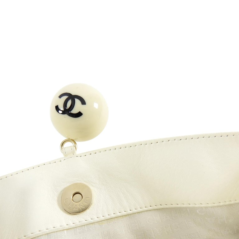 910d4080d9a11a Chanel Ivory Lambskin Chain Strap Shoulder Bag with CC Resin Ball For Sale 3