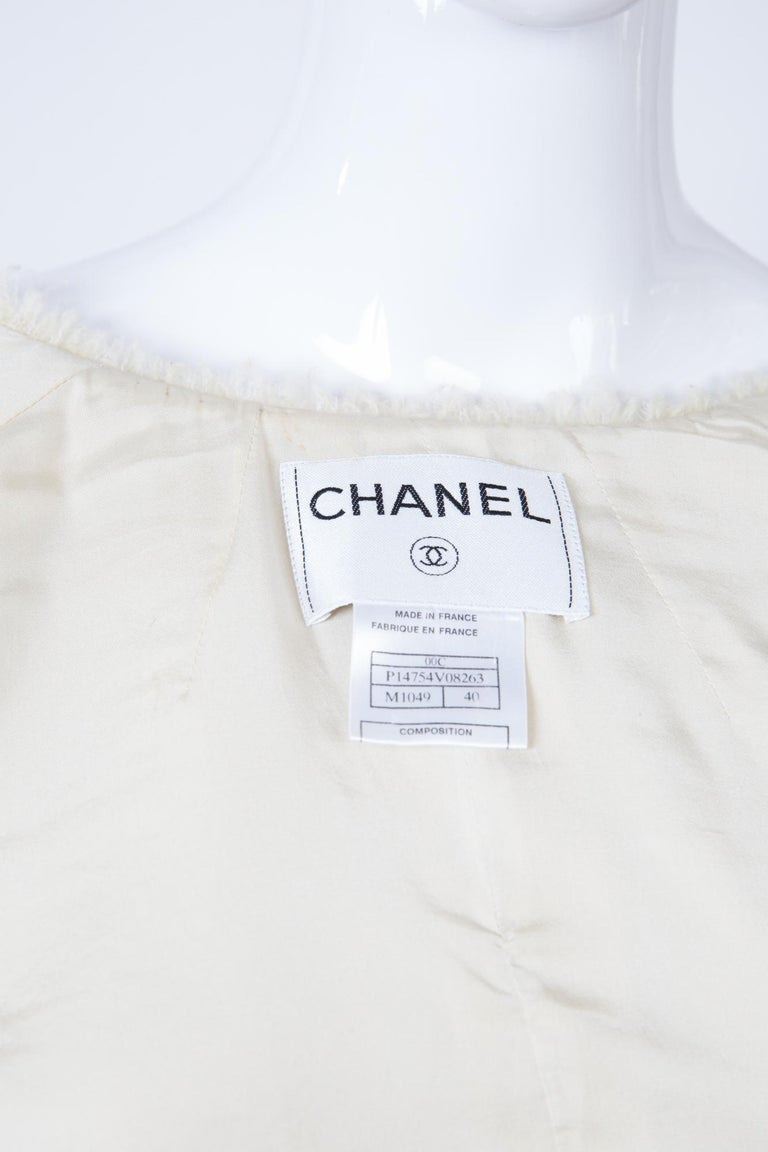 Chanel Ivory Lurex Tweed Boucle Jacket 2000s Croisiere For Sale 2