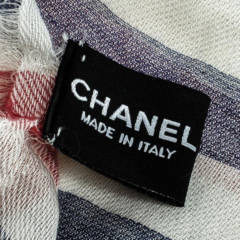 Women's Chanel Ivory Stripe Logo Detail Fringed Edge Stole For Sale