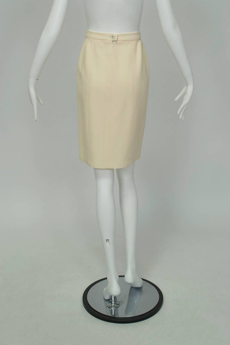 Beige Chanel Ivory Textured Wool Knee Skirt, 1998 For Sale
