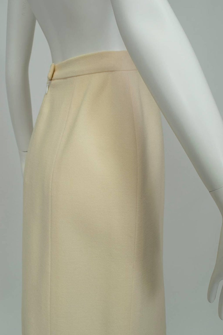 Chanel Ivory Textured Wool Knee Skirt, 1998 For Sale 1