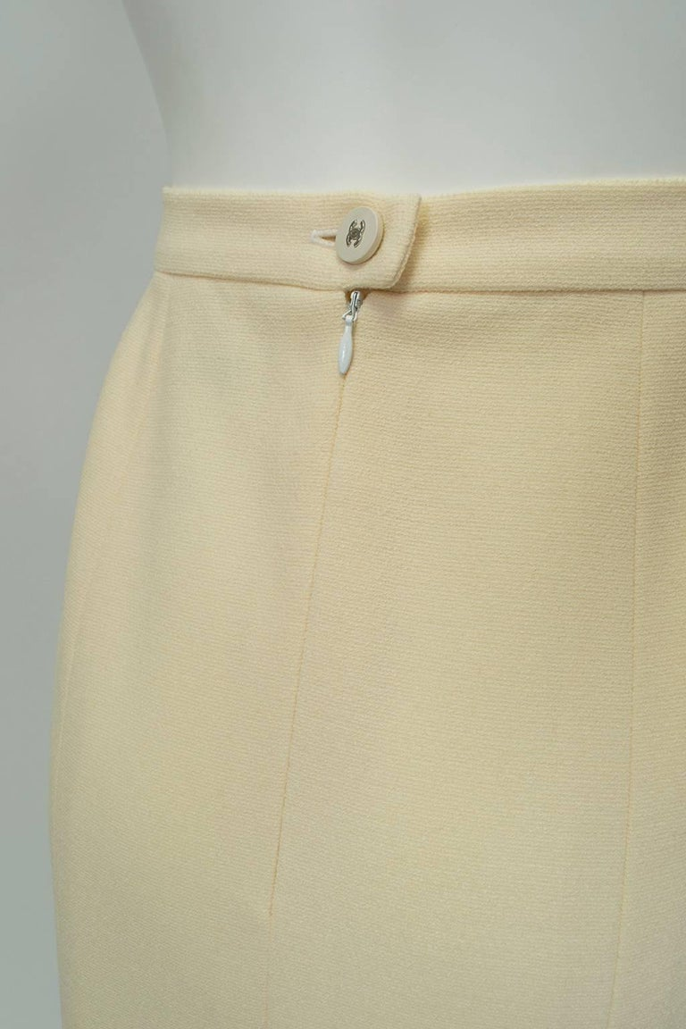 Chanel Ivory Textured Wool Knee Skirt, 1998 For Sale 2