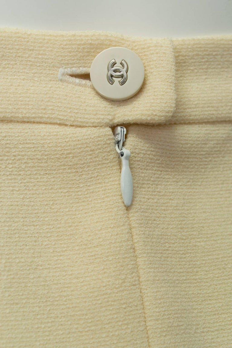 Chanel Ivory Textured Wool Knee Skirt, 1998 For Sale 3