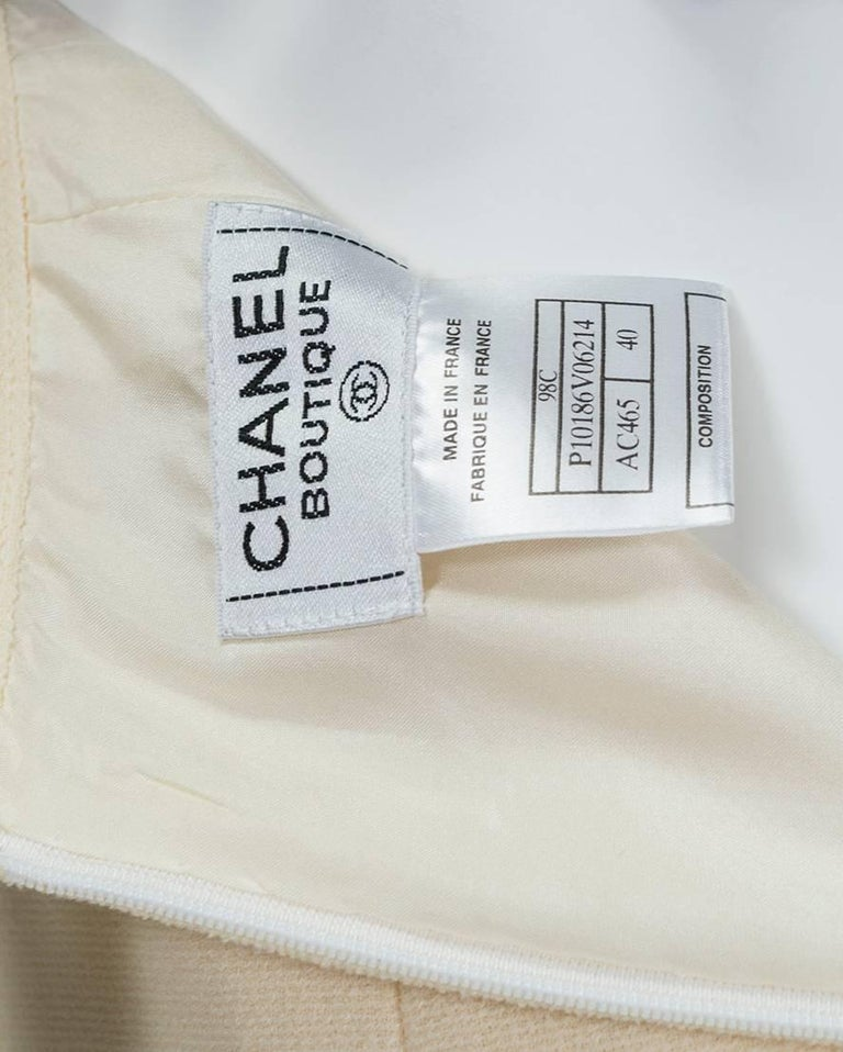 Chanel Ivory Textured Wool Knee Skirt, 1998 For Sale 4