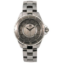 Chanel J12 H2979, Case, Certified and Warranty