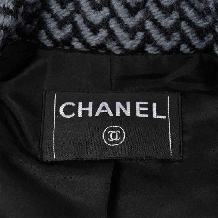 Chanel Jacket 2000 Wool Blazer w/ Belt Pockets Sequins & Rhinestone CC Buttons For Sale 5