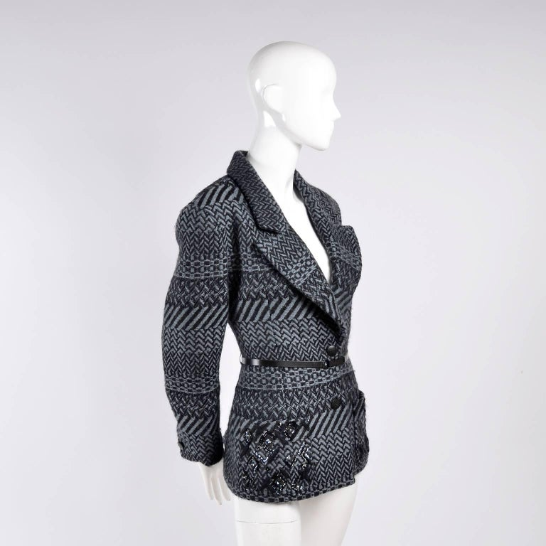 Women's Chanel Jacket 2000 Wool Blazer w/ Belt Pockets Sequins & Rhinestone CC Buttons For Sale