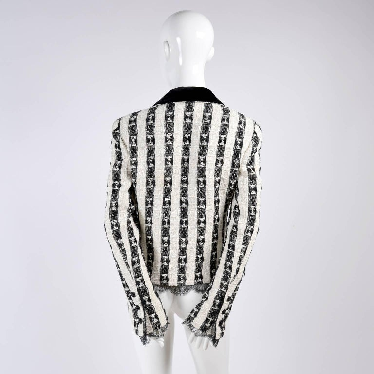 Chanel Jacket in Black & White Lesage Tweed W Lace Lining & Eyelash Trim  In Excellent Condition For Sale In Portland, OR