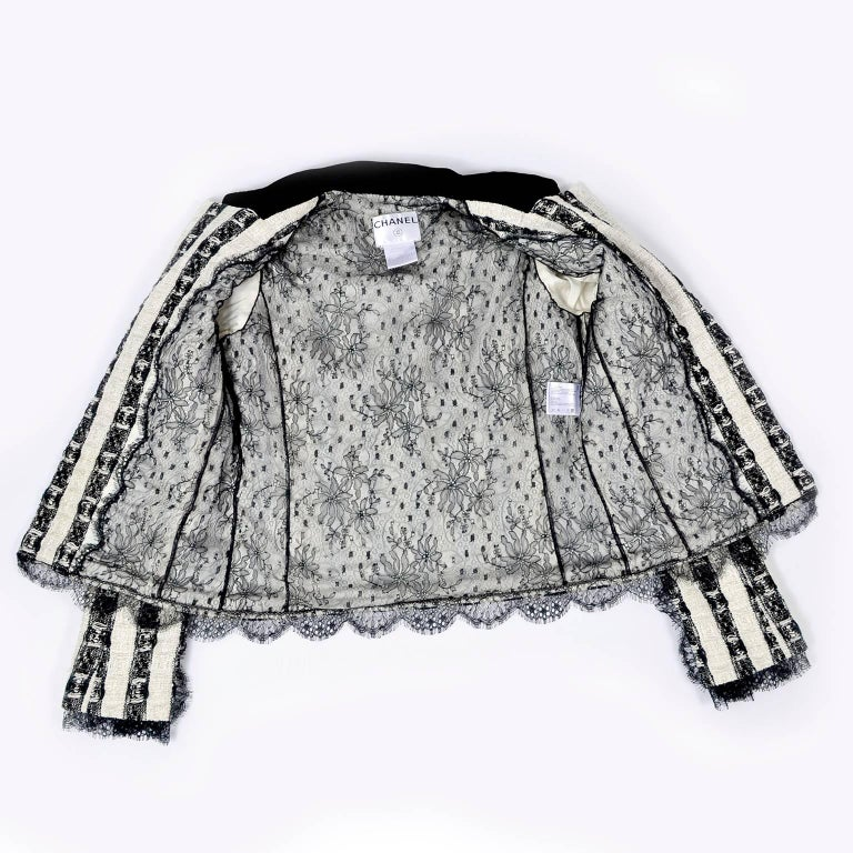 Chanel Jacket in Black & White Lesage Tweed W Lace Lining & Eyelash Trim  For Sale 4
