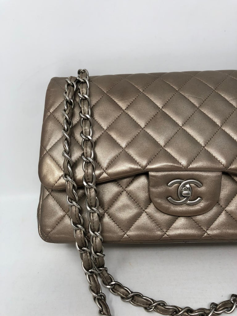 Chanel Jumbo Bronze Metallic In Good Condition For Sale In Athens, GA