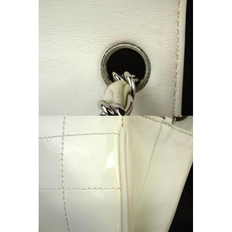5207d90822f1 Chanel Jumbo Cc Logo Zig Zag 221349 White Patent Leather Shoulder Bag For  Sale 6